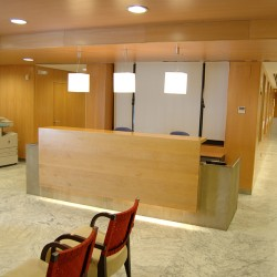 CHAVSA-diseño-y-arquitectura-equipamiento-recepción-y-zona-de-espera-NOTARIOS-SEDA-Y-LLEDÓ