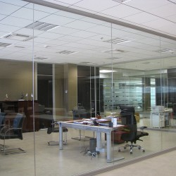 CHAVSA-equipamiento-despachos-sede-MERKAMUEBLE
