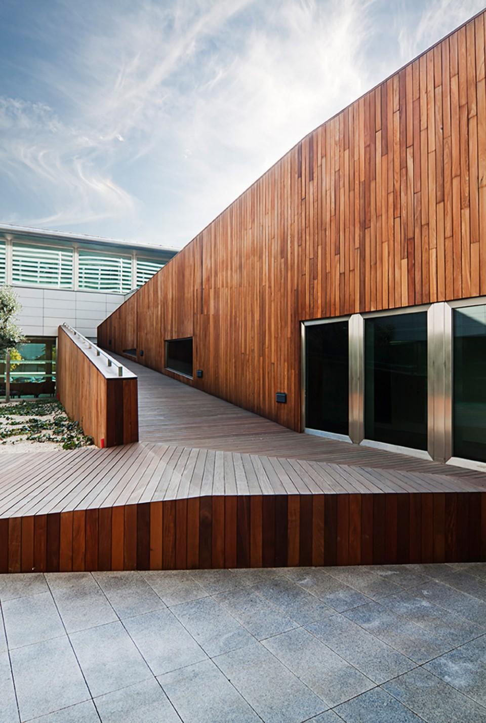 CHAVSA-equipamiento-fachada-exterior-AGENCIA-IDEA