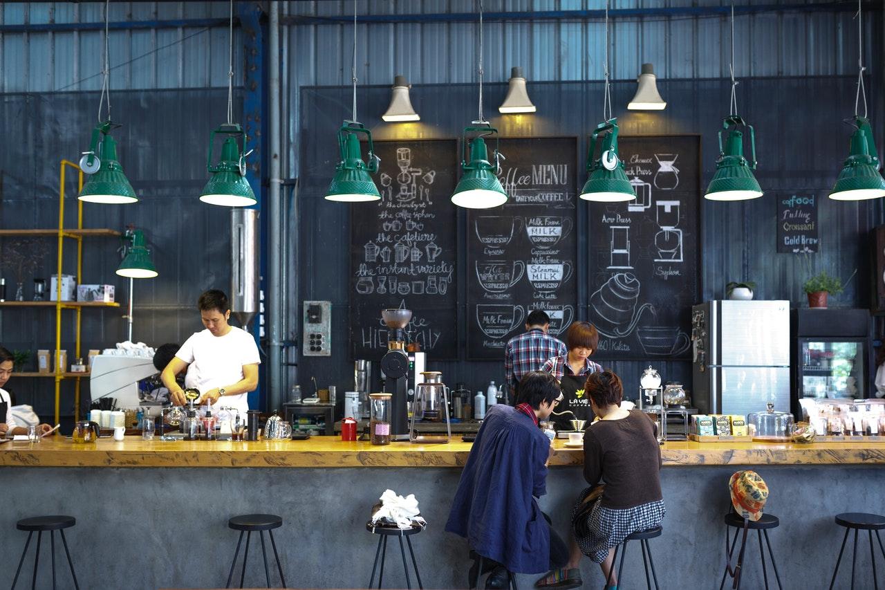 ejemplo-de-diseño-en-una-cafeteria